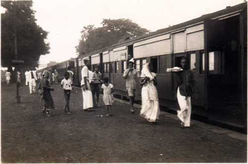 The train to Bombay 1940s