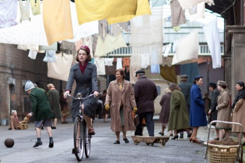 Programme Name: Call the Midwife - TX: 09/03/2014 - Episode: n/a (No. 8) - Picture Shows: Jenny Lee (Jessica Raine) - (C) Neal Street Productions - Photographer: Neal Street Productions